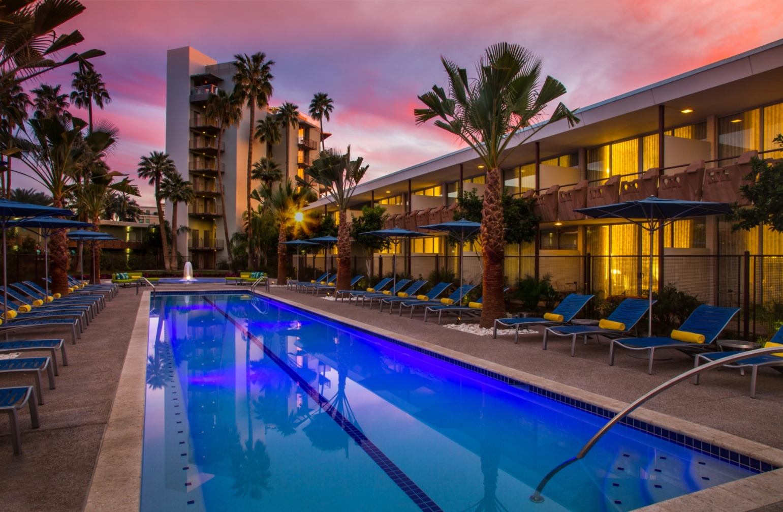 Hotel-Valley-Ho-6-7613cb095056b3a_7613cd70-5056-b3a8-49fc115e19c4e6cb